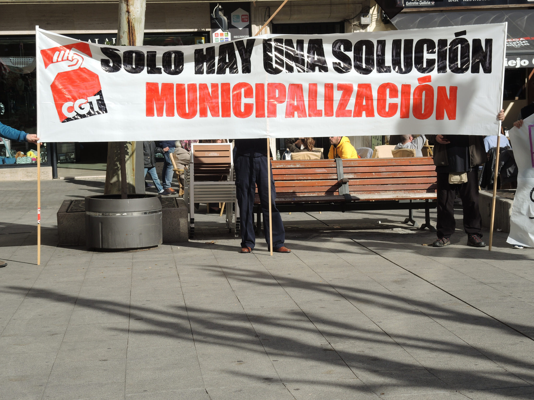 pancarta-una-solucion-municipalizacion